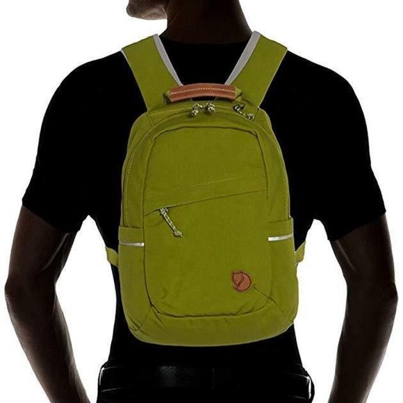 55d333a9572f NWT Fjallraven Raven Mini Backpack Meadow Green